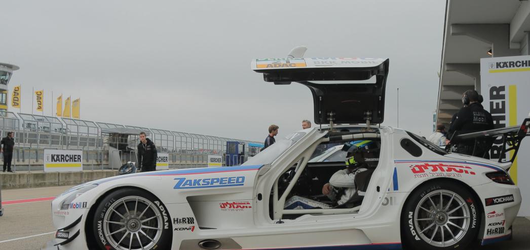 投稿画像 日本で有名な4つのモータースポーツレースシリーズ SUPER GT - 日本で有名な4つのモータースポーツレースシリーズ